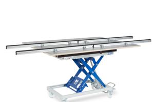 Pegasus-mit-21068-S-Schwenk--Tischoberteil-mit-Schubkasten-und-Stauraum-und-4-x-21335-Auflageschienen-längs